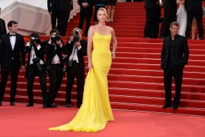 modazip cannes charlize